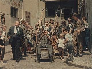 """""""Na Bělehrad!"""" V téhle scéně je esence švejkování: plnit rozkazy s nadšením a..."""