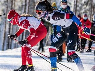 Běžkyně na lyžích Nela Půbalová (v černém) na mistrovství světa juniorů v...