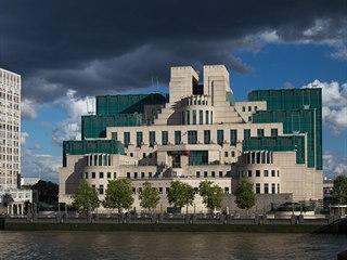 Sídlo britské zpravodajské služby MI6 v Londýně.