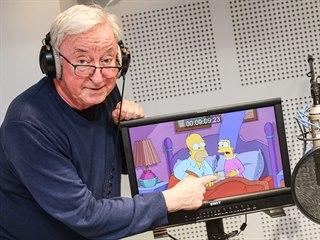 Jiří Lábus při dabováni seriálu Simpsonovi