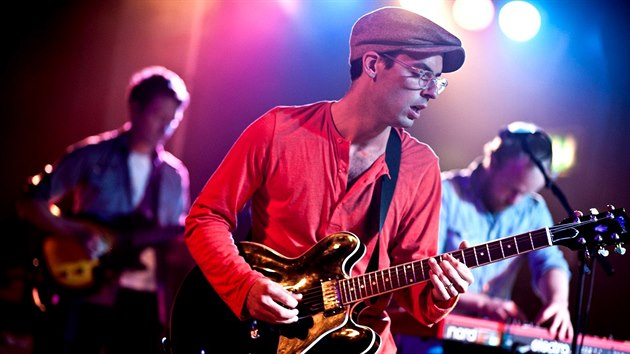 Alec Ounsworth z kapely Clap Your Hands Say Yeah