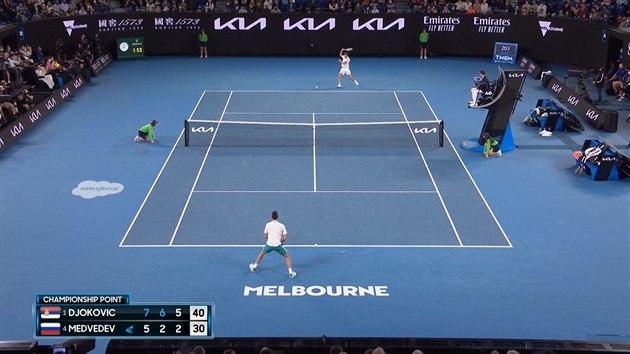 Djokovič rozdrtil ve finále v Melbourne Medveděva