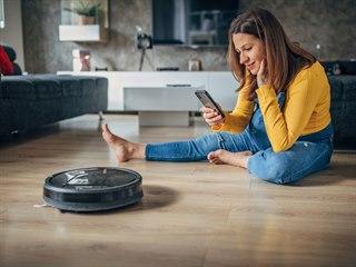 Robotické vysavače jsou v posledních letech módní. Zdánlivě doma odvedou...