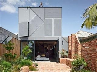 Manželé Heidi a Craig bydleli spokojeně v domě na  melbournském předměstí...