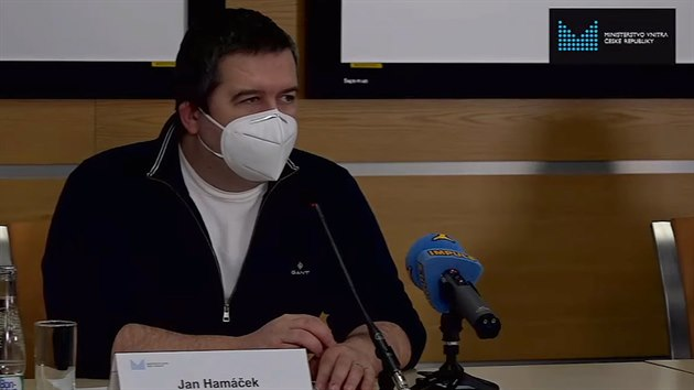 Počet nových případů by se mohl přiblížit 20 tisícům, řekl Hamáček