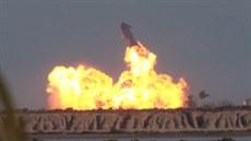 Raketa Starship úspěšně přistála, pak explodovala