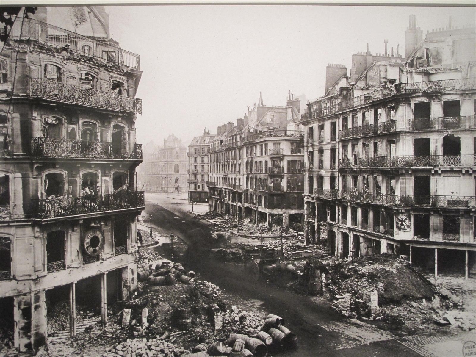 Pařížská komuna 1871. Následky bojů mezi komunardy a versaillskými v ulicích Paříže