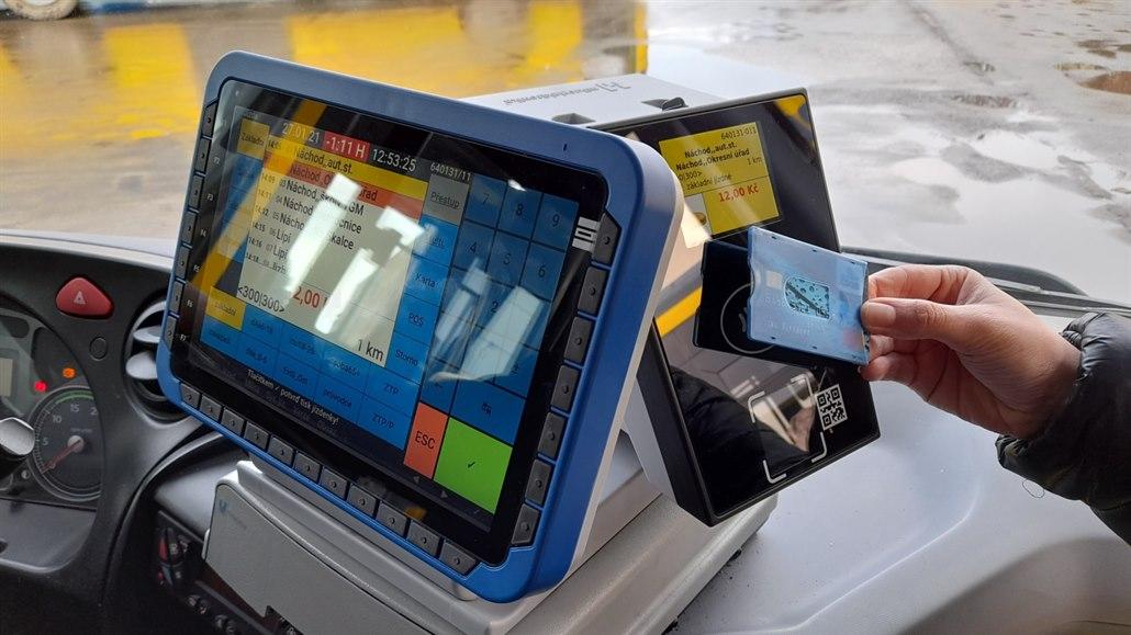 Královéhradecký kraj zaplaví po výměně dopravců nízkopodlažní vozy s wifi
