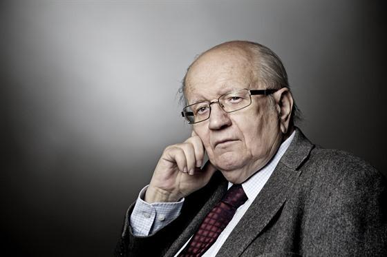 Zemřel novinář a spisovatel Karel Pacner. Byl u startu prvních lidí na  Měsíc - iDNES.cz