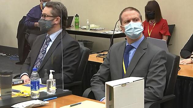 Expolicista Chauvin je vinen z vraždy Floyda, rozhodla porota