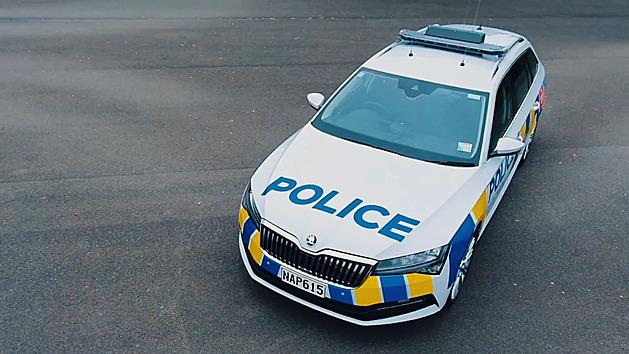 VIDEO: Superby nastoupily do služby k novozélandské policii
