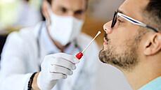 Nejvíc případů od půlky června. V Česku přibylo 164 nakažených, stouplo i reprodukční číslo