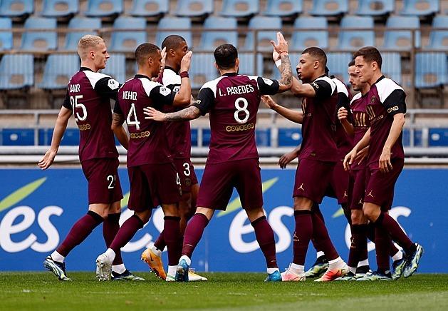 PSG nevzdává boj o první místo, čtyřmi góly venku se znovu přiblížilo k Lille
