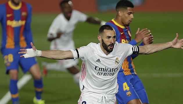 Real porazil Barcelonu v El Clásiku i podruhé v sezoně. Po třinácti letech