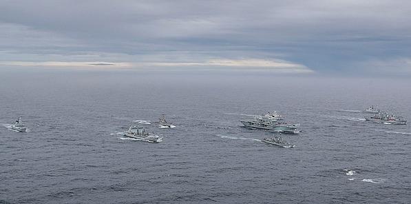 Do Černého moře zamíří britské námořnictvo, Macron chce nepřekročitelné linie