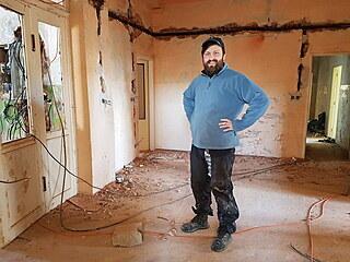 Petr Globočník chce ve vile žít, ale také tu provozovat komunitní centrum. V...