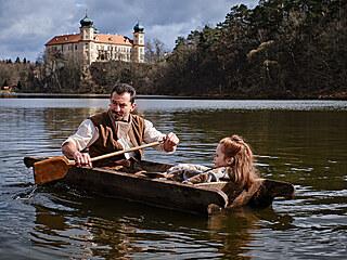 Z natáčení filmu Tajemství staré bambitky 2 - Ondřej Vetchý a Valentýna Bečková