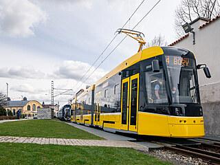 Tramvaj pro Plzeň s označením Škoda 40T.