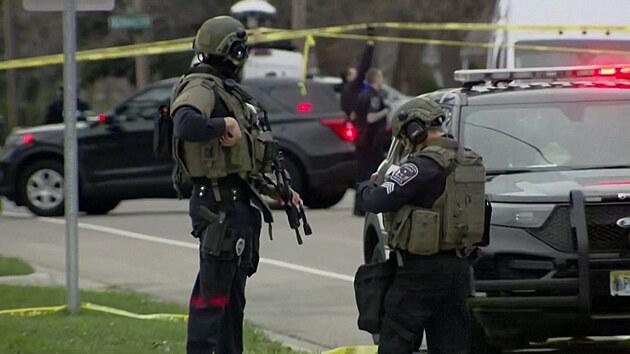 Policie zastřelila v Minneapolis dalšího černocha, lidé vyrazili do ulic