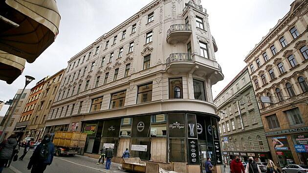 Slavného prodejce skla v centru Brna složil covid