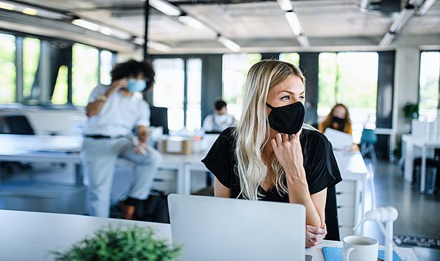 Češi už se nebojí měnit práci. Po nové se ohlíží víc lidí než před pandemií