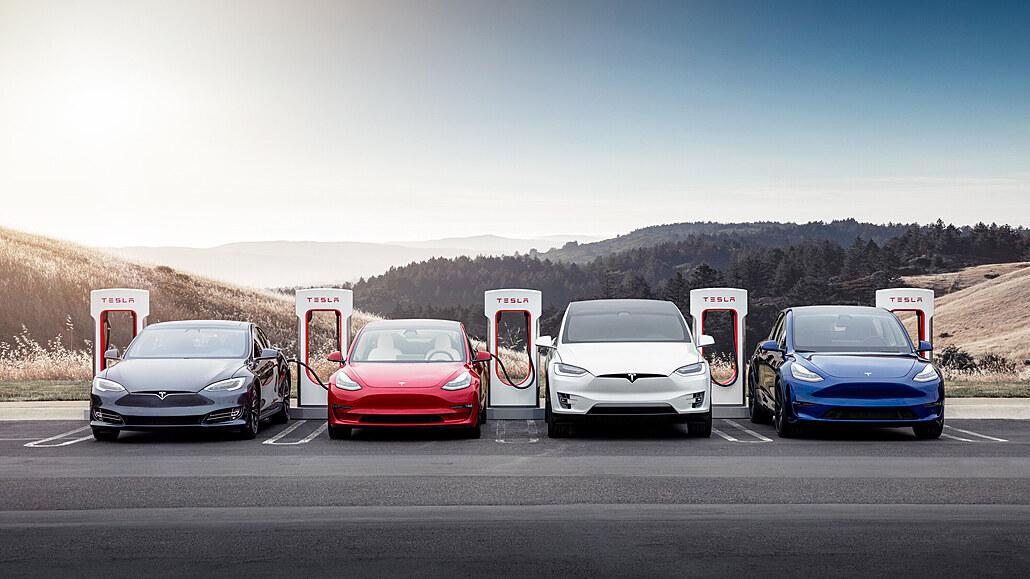 Tesla otevře svou síť nabíjecích stanic také elektromobilům jiných značek
