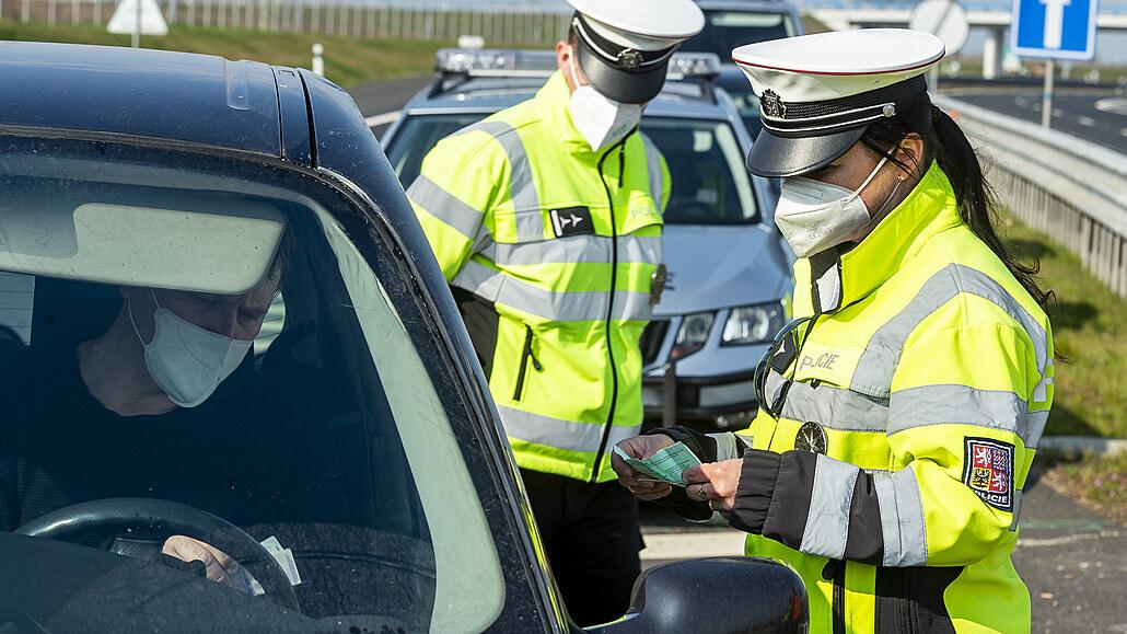 Policie při zátahu s radary stavěla 6 tisíc řidičů, 2747 odjelo s pokutou