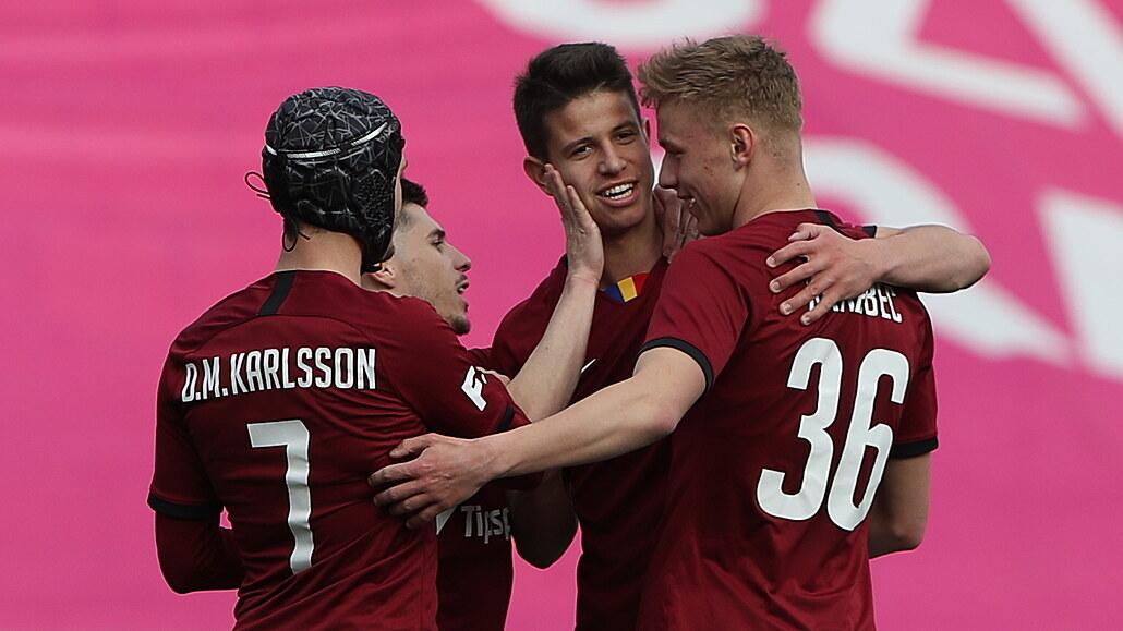 Sparta - Opava 4:2, zářil Hložek, tři góly dal a na jeden přihrál
