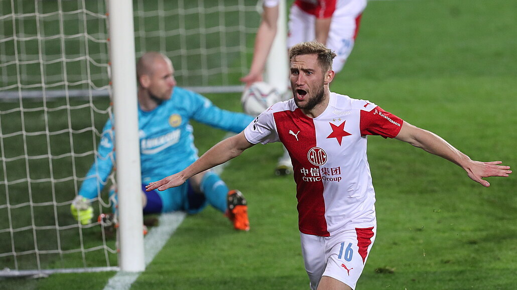 Slavia - Zlín 2:1, domácí otočili skóre a jsou dva body od obhajoby titulu