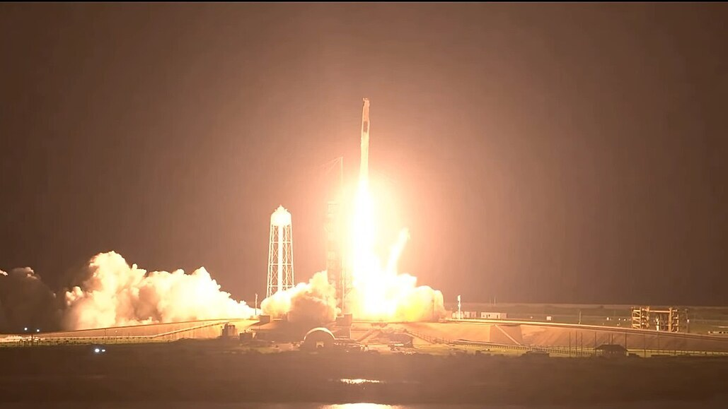 SpaceX se bojí, že nebude mít kyslík do raket. Přednost mají pacienti