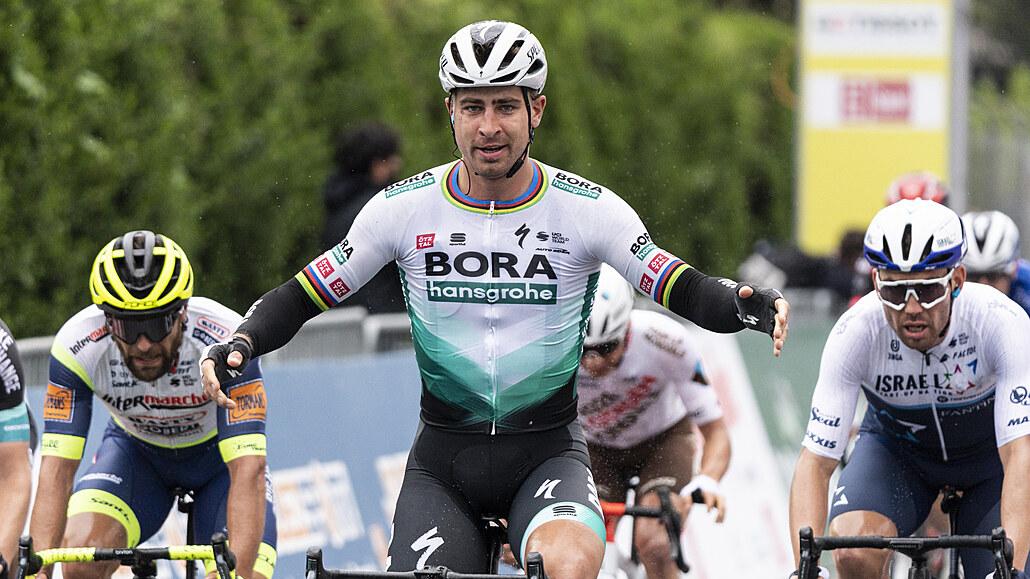 Slovenské vítězství na Giru. Sagan ovládl dojezd desáté etapy