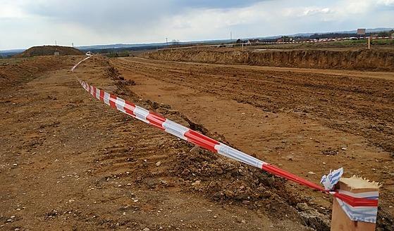 Obchvat Chýnova se začal stavět loni v září. Letos musela být stavba na dva...