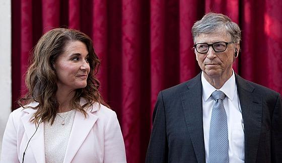 Melinda Gatesová a Bill Gates (Paříž, 21. dubna 2017)