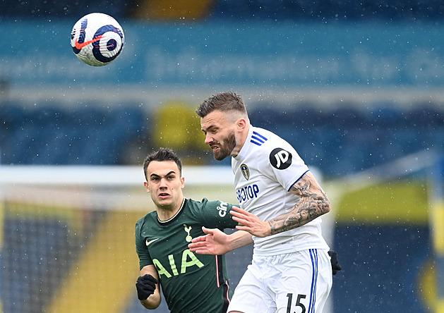 ONLINE: Tottenhamu jde proti Leedsu o poháry, City může slavit titul