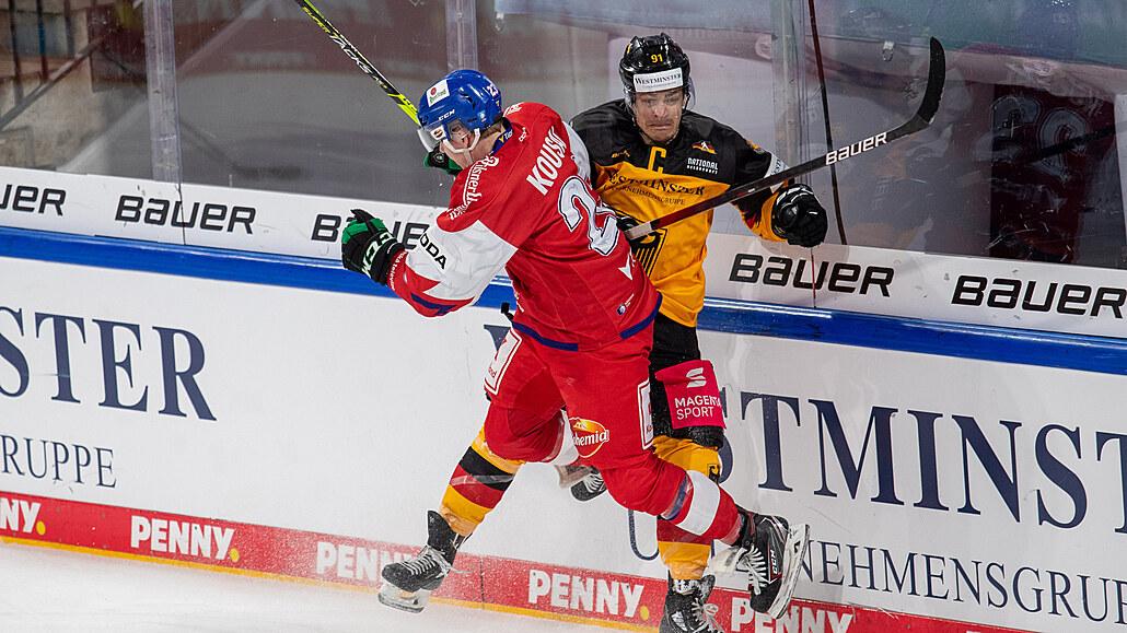 Hokejoví reprezentanti počtvrté vyhráli, rozhodli třemi góly v závěru