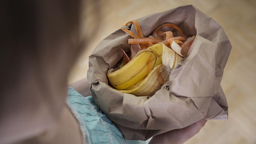 Slupky od banánů nevyhazujte. Skvěle hnojí, leští, dokonce i bělí zuby