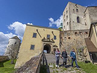 Po sedmiměsíční pauze mohli návštěvníci znovu na hrad Buchlov (květen 2021).