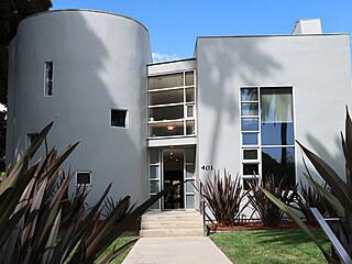 Architekt John Powel se nechal inspirovat projektem Le Corbusiera a jeho...