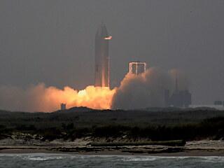 Start prototypu horní části budoucí lodi Starship s označením SN15 ve čtvrtek...