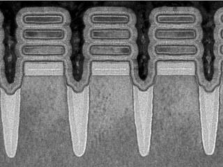 Pohled na 3D tranzistory vyrobené 2nm procesem v laboratořích IBM, které jsou...