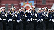 Rusko slaví. Rudé náměstí ožilo vojenskou přehlídkou