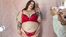 Plus size modelka Tess Holliday (2021)