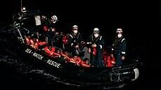 Lodě nevládních organizací zachránily v noci přes 400 migrantů ve Středozemním moři