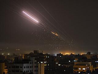 Rakety mířící z Pásma Gazy na Izrael (14. května 2021)