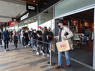 Pražské obchodní centrum Fashion Outlet Arena navštívilo první sobotu po...