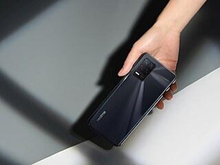 Nejdostupnější telefon pro sítě páté generace realme 8 5G právě přichází na...