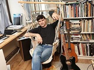 Zdeněk Podhůrský je tak trochu Ferda Mravenec, muž mnoha řemesel.
