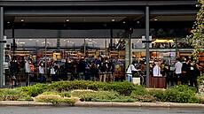 Lidé vzali obchody útokem. Na zboží se stály fronty