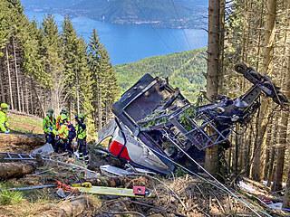 Pád lanovky v italském horském středisku Stresa Mottarone si vyžádal nejméně...