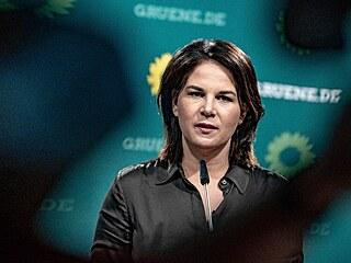 Německá spolupředsedkyně Strany zelených Annalena Baerbocková, promluvila k...